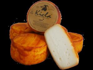 Queso de Cabra Curado en Aceite de Leche Cruda Kicla con Pimentón de la Vera Denominación de Origen Protegida D.O.P.
